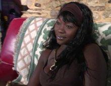 7950 - Une femme black découvre la baise