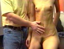 8317 - Excité de voir une femme nue