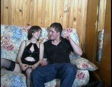 8965 - Jeune couple coquin débutant