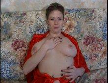 9468 - Femme nympho aux gros seins au fion dilaté