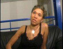 9514 - Vidéo d'une jeune métisse sexy très chaude
