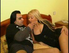 9732 - Un show intime dans une chambre d'hôtel