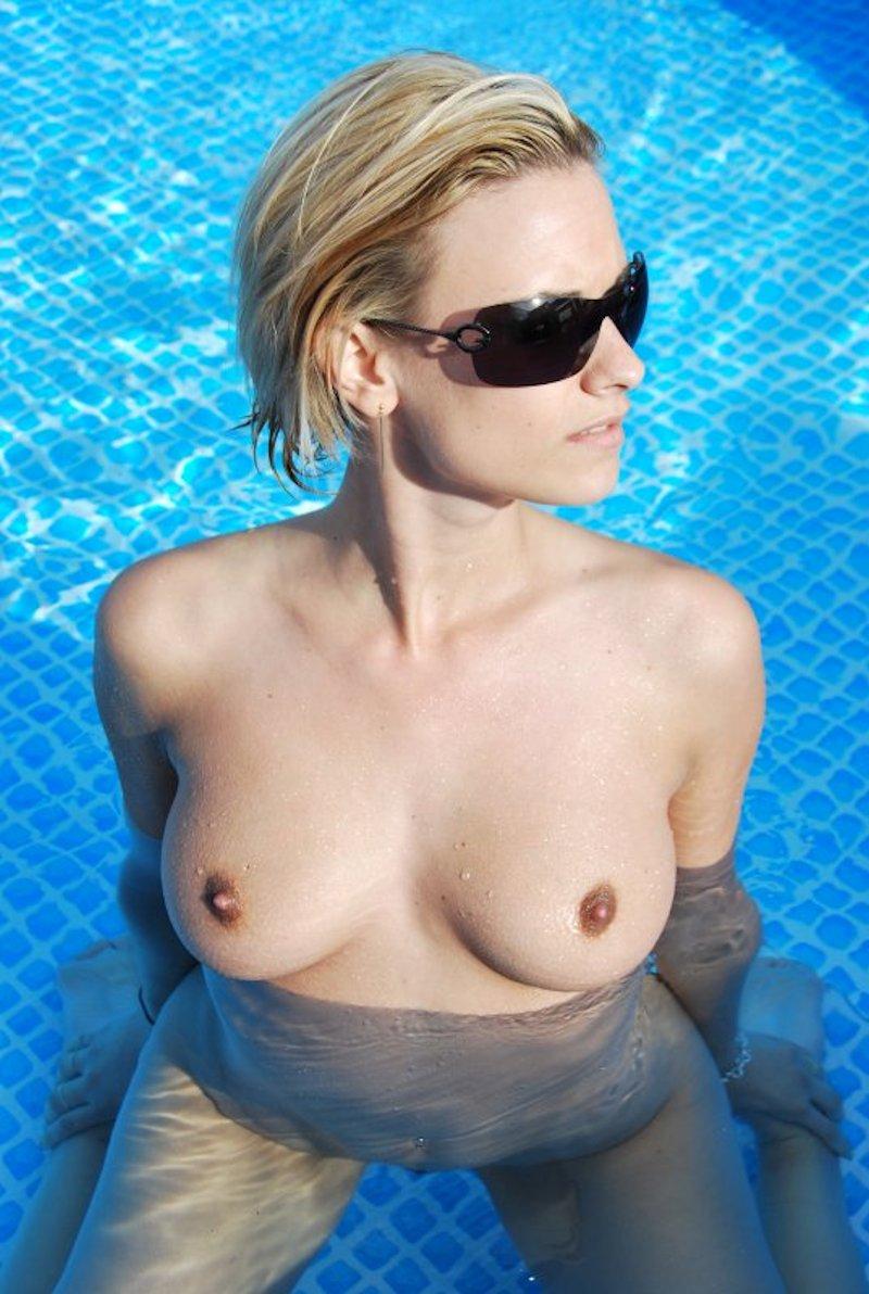 claire castel les seins nus