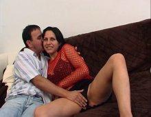 10402 - La caméraman baise le cul d'une coquine