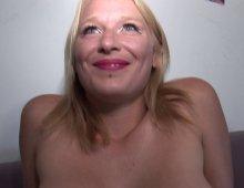 10547 - Une vraie cochonne montre ses talents de salope