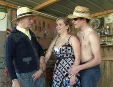 10728 - Trio sexe FHH dans une cabane