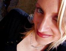 10754 - Jolie blonde baisée derrière des rochers