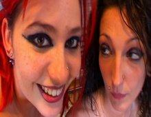 10824 - Une autostoppeuse salope aux cheveux rouges