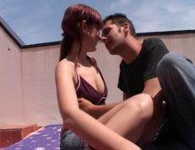 11051 - Un jeune couple amateur exhibitionniste