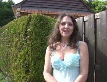 11267 - Belle petite chatte et gros seins d'une jeune femme