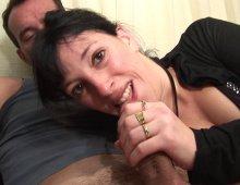 11273 - Femme goûte à la double pénétration