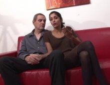 11305 - Femme accepte la baise anale avec un vieux