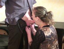 11631 - La salope se fait baiser sur la table