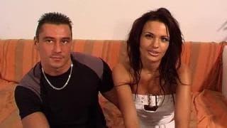 Scène porno hard d'une salope