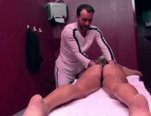 12479 - Massage érotique avec pénétration anale