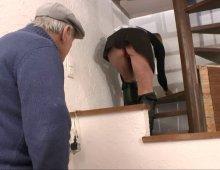 12547 - La cochonne se fait pénétrer sa chatte sans poils