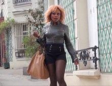 12601 - Une salope dans le quartier de Montmartre