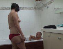 13261 - Sexe dans la baignoire avec orgasme