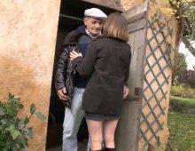 13361 - Femme baise avec papy pendant un casting