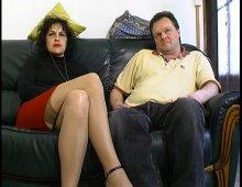 14683 - Un couple amateur baise dans la maison