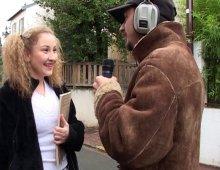 15111 - Petite cochonne tronchée par un reporter