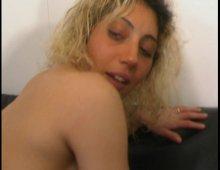 15303 - Nana blonde se fait casser le cul dans un casting X