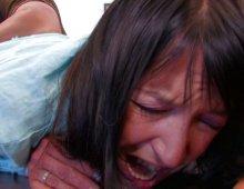 15749 - Carla finit avec le cul complètement dilaté