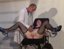 15898 - Consultation très chaude pour une grosse femme