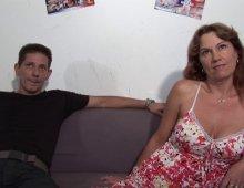 16094 - Deux matures se découvrent leur passion pour le porno