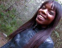 16126 - Baise interraciale d'une black fine dans le sbois