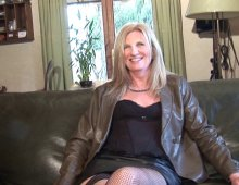 16286 - Casting d'une cougar blonde experte en fellation