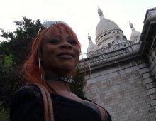 17076 - De la baise en groupe à Montmartre