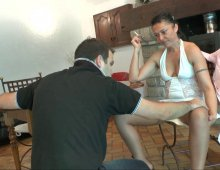 17104 - Femme mûre pratique Pissing et sodomie