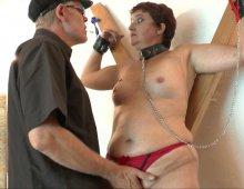 17108 - Une leçon d'humiliation pour cette femme mûre