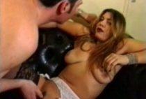24150 210x142 - Une belle salope avec des seins énormes
