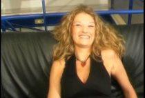 24190 210x142 - Une belle blonde prise par le cul sur un canapé