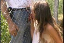 24214 210x142 - Salope se branle dans son jardin devant des voyeurs