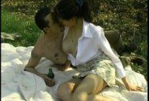 24234 210x142 - Pipe et SODO au milieu des bois pour un couple