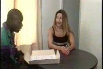 24324 210x142 - Une belle coquine veut devenir actrice X