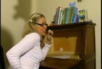 24458 210x142 - Nadine aime jouer à l'étudiante salope