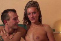 25196 210x142 - Jeune couple de Rouen baise devant la caméra