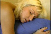 25713 210x142 - Jolie salope blonde se fait enculer à sec