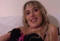 25797 210x142 - Laura bonne salope blonde tourne un porno amateur