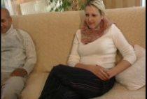 25977 210x142 - Blonde bisexuelle dans un casting énorme