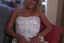 26151 210x142 - Blondasse française bourrée sur le canapé