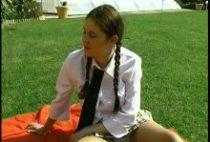 26201 210x142 - Allumeuse étudiante ramonée en plein air