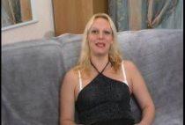 26375 210x142 - Gorge-profonde et sodomie pour une blonde
