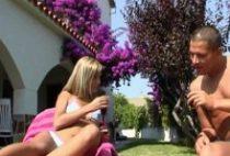 26719 210x142 - Jeune couple français baise au bord de la piscine