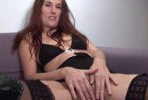 27067 210x142 - Des godes énormes et une bite pour son casting porno