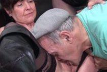 27245 210x142 - Femme brune se tape une partouze chez le toubib